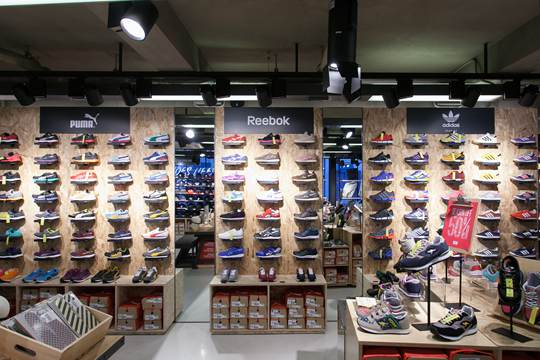 韩国三大潮鞋折扣店