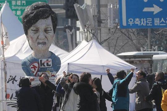朴槿惠为何下台:瞒擅政乱象 无护宪意志