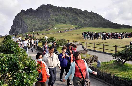 """韩国旅游禁令使济州六成中文导游""""失业"""""""