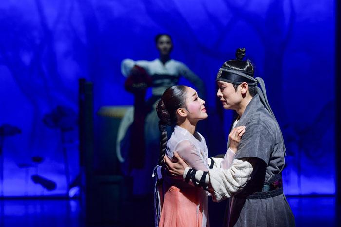 韩国传统舞台剧《莲,再次绽放》