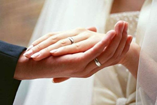 韩国女性找老公不看学历看工作 女高男低婚姻增多