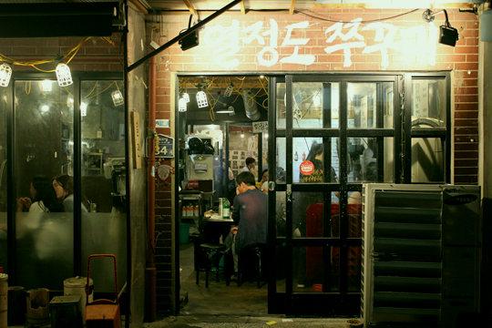热情岛:这条不为人知的小巷里隐藏着韩国版深夜食堂