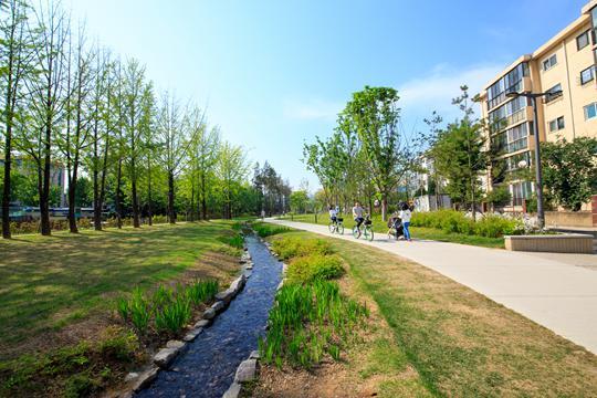 这个春天, 在首尔漫步