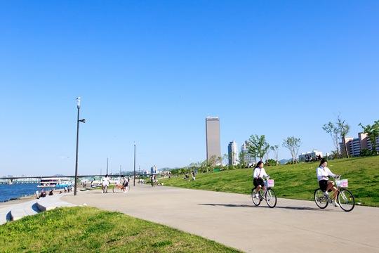 在快节奏的首尔,来一场慢节奏的共享单车之旅