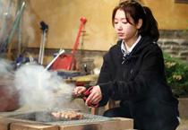 来韩国不能错过的明星美食店:朴信惠家烤肠店