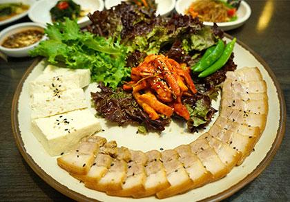 [仁寺洞]仁寺洞豆腐村 菜包肉定食