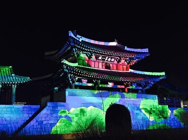 景点推荐 旅游攻略 细数韩国全州必去旅游景点   1976年,丰南城曾因火